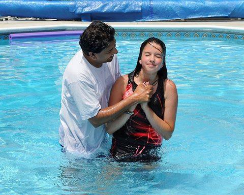 آیا نوزاد و کودک خردسال را باید تعمید داد؟ (همراه با 18 سوال از طرفداران تعمید کودکان)