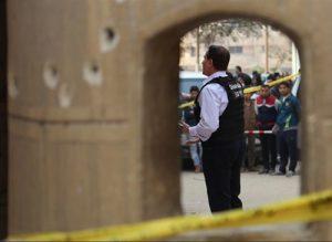 """داعش با انتشار خبری در خبرگزاری """"اعماق"""" وابسته به این گروه اسلامی، مسئولیت حمله مسلحانه دیروز به کلیسای قبطی «مارمینا» در شهر حلوان واقع در جنوب قاهره، پایتخت مصر که تعداد زیادی کشته و زخمی برجا گذاشت را بر عهده گرفت. گفتنی است کلیسای قبطی «مارمینا» در شهر حلوان در جنوب قاهره پایتخت مصر دیروز جمعه ۸ دی ۱۳۹۶ مورد حمله تروریستی قرار گرفت. وزارت بهداشت مصر نیز طی اطلاعیهای اعلام کرد که در اثر این حمله تروریستی ۱۰ نفر از جمله یک مهاجم کشته و ۵ نفر دیگر زخمی شدند."""